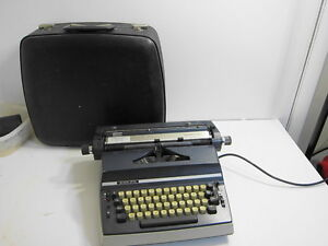 ADLER-SATELLITE-PORTABLE-ELECTRIC-TYPEWRITER-WITH-CARRY-CASE