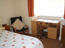DOUBLE ROOM ENSUITE .TS6,ALL BILS INCLUSIVE INC WIFI,SHORT TERM LETS WELCOME