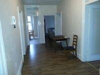 3 Bedroom Flat to Let on Woodlands Rd, Westend £950PCM (6 MONTHSLEASE ONLY)