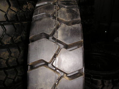 7.00-12 Tires Advance Solid Forklift Tire 7.0012 Flat Proof 70012