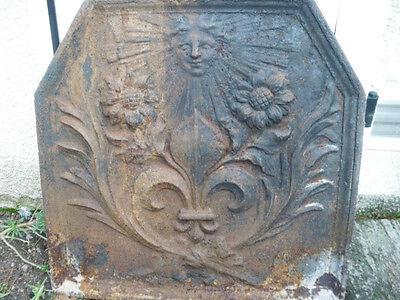 plaque de cheminée fleur de  lys   marguerite   roi soleil