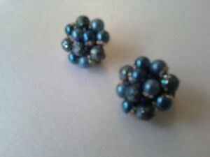 EARRINGS DIFFERENT COLOURS