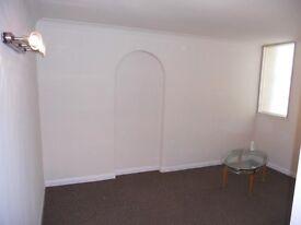 SUPERB 1 DOUBLE BEDROOM FIRST FLOOR APARTMENT S3 NEAR HALLAM & SHEFFIELD UNIVERSITY