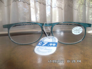 STYLISH-LADIES-CARBON-FIBRE-READING-GLASSES-GREEN-LIGHT-STRONG-GHC22