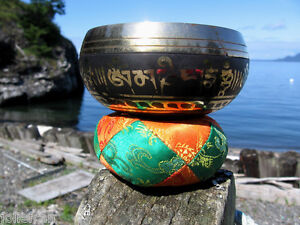 OM TIBETAN BUDDHIST SINGING BOWL, CUSHION & MALLET SET NEPAL HANDSTAMPED BRASS