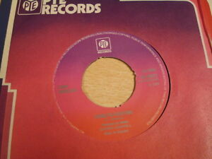 CARL-DOUGLAS-KUNG-FU-FIGHTING-GAMBLIN-MAN-NORTHERN-SOUL-DISCO-45