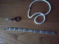 Bracelet poignet homme + Collier billes + 2 bagues nouveau prix