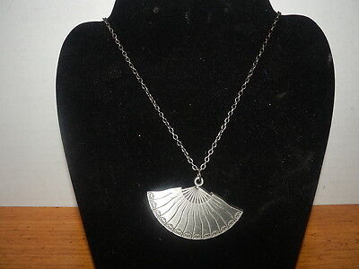 Avatar the Last Airbender Kyoshi fan necklace New with Tags