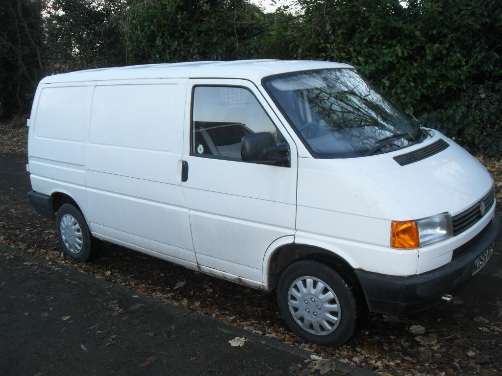 VW TRANSPORTER 2.4 DIESEL WITH NEW ENGINE ALL IN NICE CONDITION