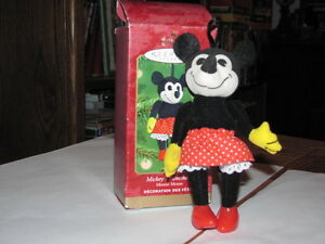 2001 MICKEYS SWEETHEART MINNIE MOUSE ORNAMENT
