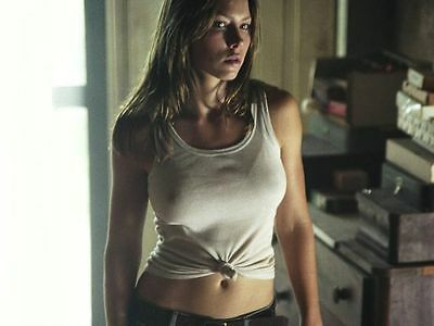 Jessica Biel Unsigned 8X10 Photo Lookin Hot In A White Tank Top  82