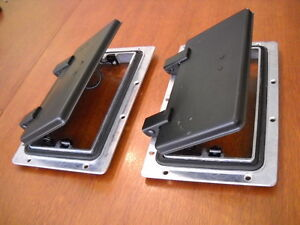 2 x Small ROOF AIR VENTs - Trailer,Canopy,Camper,Horsefloat,rally car, Autocross