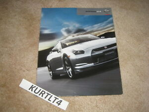 2009-Nissan-GT-R-sports-car-sales-brochure-poster-folder-dealer-catalog