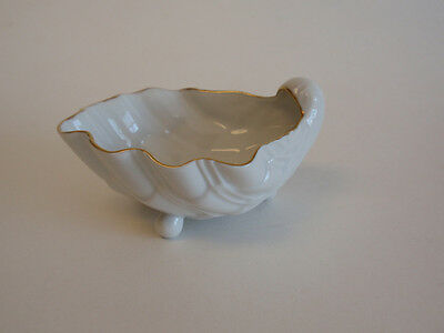 White Porcelain Footed Ark Shell Small Mini Cup Bowl Gold Edge MMA SRM Nautical