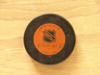 Pucks (3): Classic 1.NHL Ziegler, 2.NHL Viceroy, 3.Viceroy