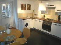 Didsbury-modern redecorated 3 bed lower ground floor flat in fantastic location!