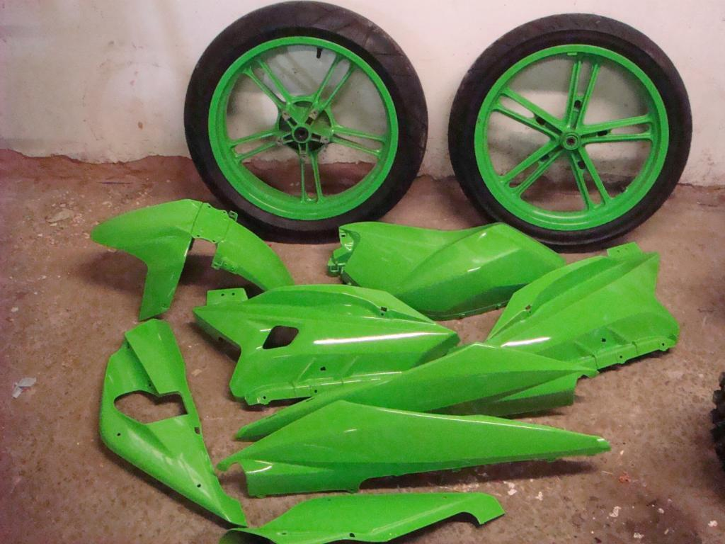 Yamaha Yzf R125 Green Yamaha Yzf R125 Complete