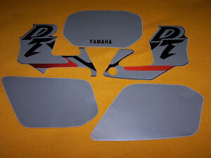 YAMAHA-DTR-125-BLACK-STICKERS