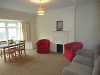 3 bed 3 bath duplex flat opposite Brent Cross Tube perfect for sharers