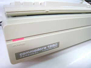 BRAND-NEW-COMMODORE-128D-vintage-computer-and-keyboard-RARE