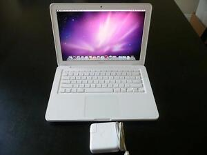 Apple-MacBook-Core2Duo-2-26GHz-2GB-250GB-13-MC207LL-A