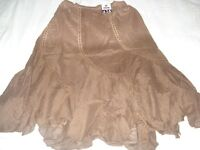 WOMENS SKIRTS AND BLOUSES 350 PIECES