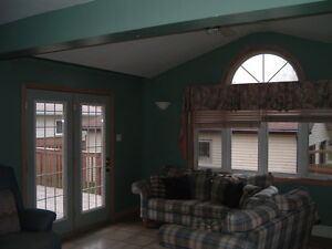 Perfect for Students - 5 Bedroom House at 91 Noecker Street! Kitchener / Waterloo Kitchener Area image 4