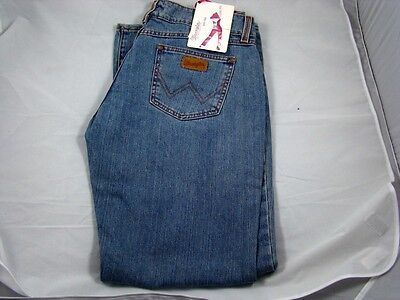 Womens Wrangler Western Premium Patch Low