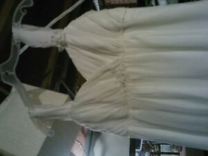 SIZE 14 WEDDING DRESS Cambridge Kitchener Area image 2