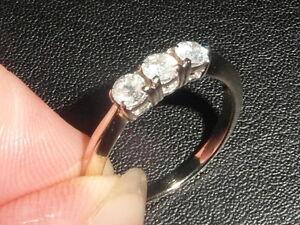 J50-LADIES-18CT-GOLD-0-50-CARAT-SI2-H-DIAMOND-TRILOGY-RING