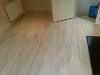 Laminate flooring remove laminate flooring paper for Floor 4 do not remove