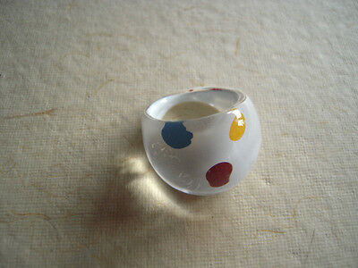 VTG Ring Pop Art 60's MOD Lucite Plastic White with Polka Dot sz 5.5
