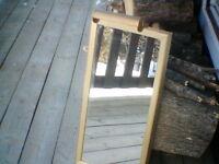 Miroir de 26 x 12 pouces avec cadre or