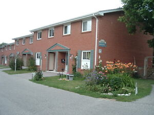 3 & 4 Bedroom Townhouses - Close to Universities!