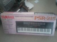 Yamaha PSR 215, hardly used, excellent condition