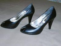 Schuhe ( Gr. 38 ) der Marke Vera Gomma  - (Italien)  /  Wie neu Nordrhein-Westfalen - Blomberg Vorschau