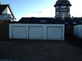 Double Garage with full commercial use available for rent with power and lighting in Warsash
