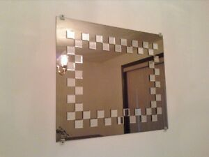 NICE FRONTROOM DECORATIVE MIRROR reduced