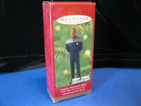 2001 STAR TREK Captain Benjamin Sisko Hallmark Ornament