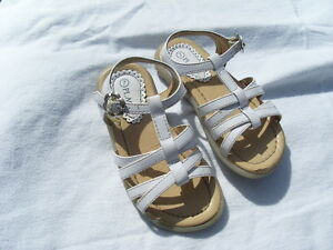 The Children's Place White Sandals -Size 7