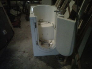 premeir bath tub for sale Stratford Kitchener Area image 2