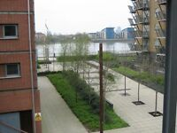 Double room in modern Flat with Balcony overlooking the river.