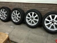 toyota avensis 2009+ genuine alloy wheels 17 inch with nearly new tires on them