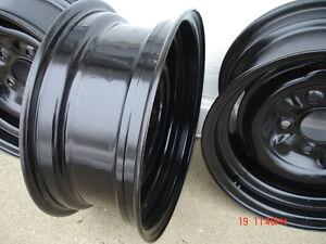 Chev / Pontiac 14x5 steel wheels London Ontario image 2