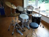 FULL DRUM KIT - VERY GOOD CONDITION - PEARL VISION BIRCH