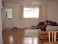 Double room in Bedminster - Monday-Friday let, easy access to town, all bills included