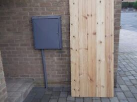 WOODEN GATE 6ft X 2ft 6ins NEW NEVER BEEN FITTED