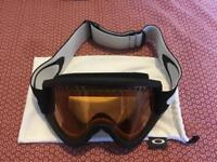 Oakley snow goggles - excellent condition