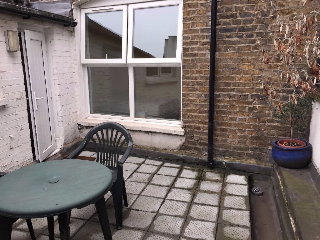 1 Bed Property with garden - 1 minute away from ALDGATE EAST STATION E1