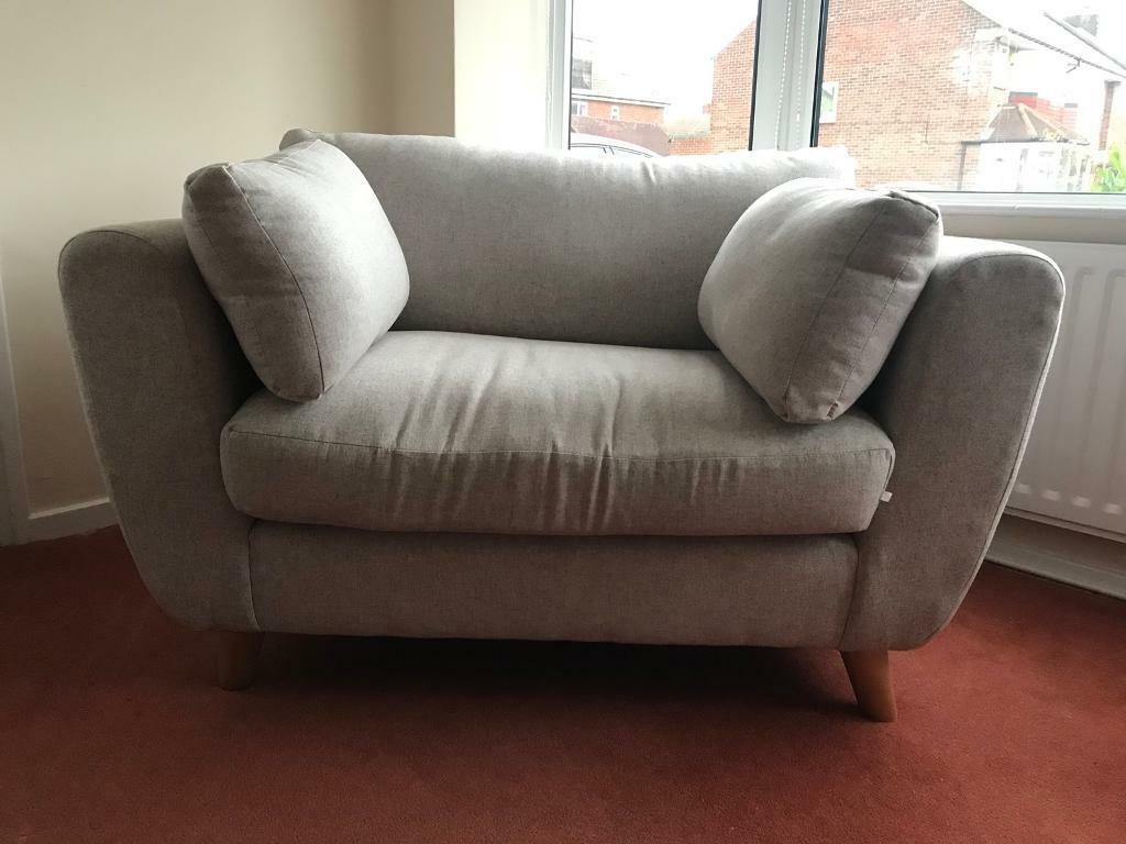 3 seater sofa and a cuddle chair